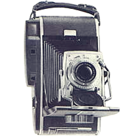 POLAROID 110A Pathfinder Land Camera